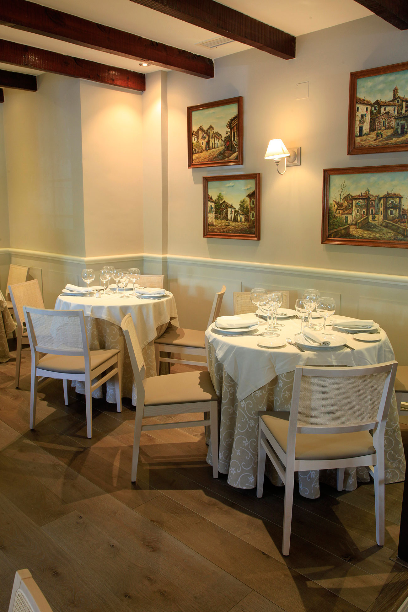 FURNITURE-BY-VERGES-RESTAURANT-GALLEGO-IN-MADRD