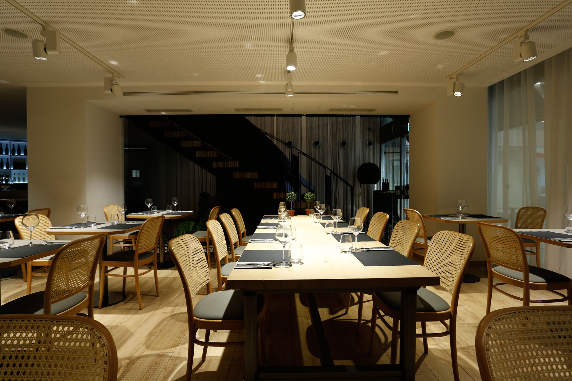 restaurant-IT-Barcelona-mobiliari-Silleria-Verges-11